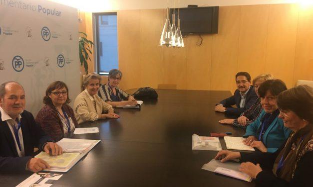 PETALES España, con Carmen Quintanilla Barba, Presidenta de la Ponencia de la Comisión Mixta para el Estudio del Problema de las Drogas del Congreso de los Diputados