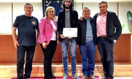 Reconocimiento del Ayuntamiento de Fuengirola a los atletas del Reto 1000 k por el Apego
