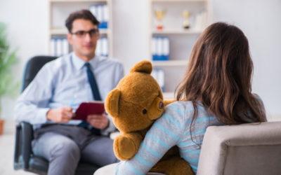 ¿Cómo tratar a niños con trastornos de apego severos tras múltiples experiencias tempranas de trauma?